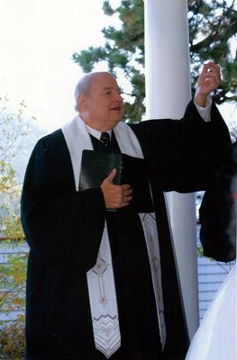 Rev. Wayne Middleton photos